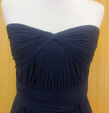 Load image into Gallery viewer, Monique Lhuillier Navy Blue Formal Dress (M)
