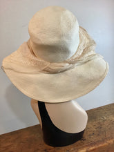 Load image into Gallery viewer, J. Peterman Straw Hat