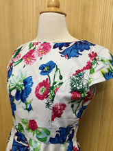 Load image into Gallery viewer, Chicanary Floral Dress (S)