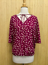 Load image into Gallery viewer, Kate Spade Top (M)