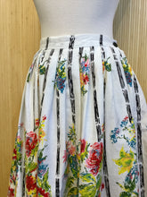 Load image into Gallery viewer, Pleated Floral Skirt (XS)