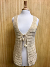 Load image into Gallery viewer, Vintage Handmade Knit Vest (L)