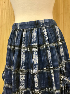 Plaid Skirt with Bow Pockets (M)