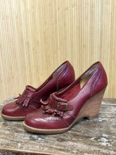 Load image into Gallery viewer, Danelle Leather Oxford Wedges (7)