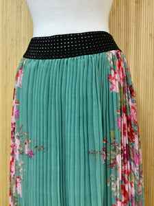 Pleated Maxi Skirt (M)