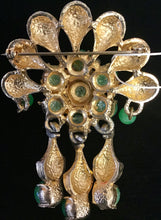 Load image into Gallery viewer, Green and Gold Vintage Brooch