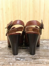 Load image into Gallery viewer, Frye Heeled Leather Slingback Sandals (9)
