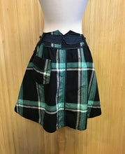 Load image into Gallery viewer, Fei Plaid Skirt (XS)