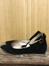 Load image into Gallery viewer, Louise et Cie Suede Flats (11)