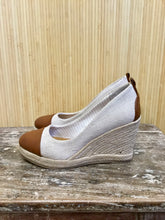 Load image into Gallery viewer, G.H. Bass & Co. Woven Espadrille Wedges (6.5)