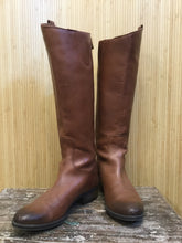 Load image into Gallery viewer, Sam Edelman Leather Knee High Boots (6)