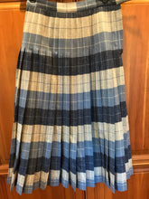 Load image into Gallery viewer, Vintage Pendleton pleated skirt