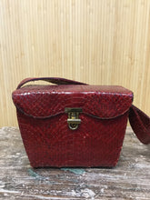 Load image into Gallery viewer, Vassar Snakeskin Box Purse