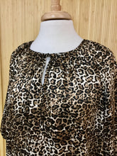 Load image into Gallery viewer, Ellen Tracy Leopard Print Top (L)