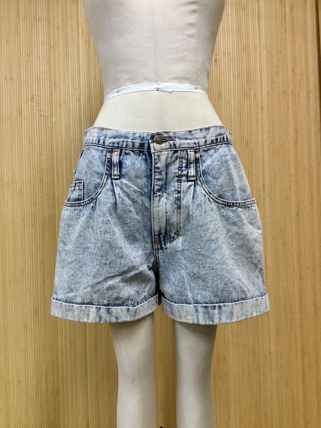 Zena Acid Wash Denim Shorts (M)