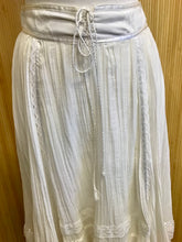 Load image into Gallery viewer, Gunne Sax Prairie Skirt (M)