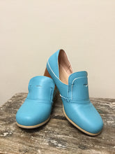 Load image into Gallery viewer, Blue Heeled Loafers (8)