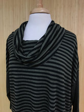 Load image into Gallery viewer, Habitat Cowl Neck Top (M)