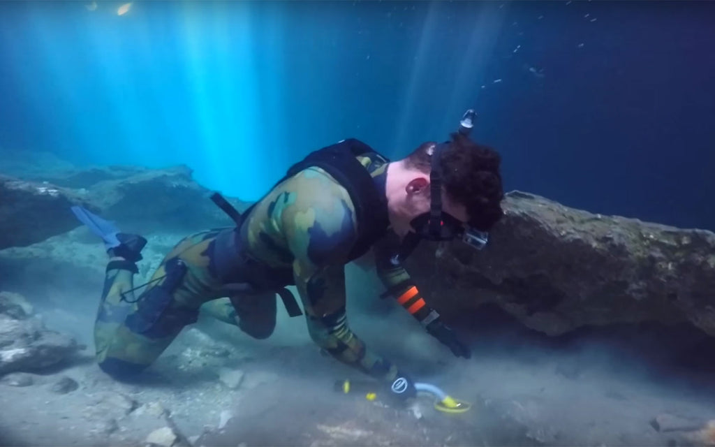Jake DALLMYD Scuba Diving the Devil's Den for Lost Valuables! (Found 2 Prehistoric Bones)