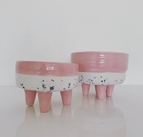 Medium 4 Leg Ceramic Planter (Blush)