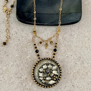 Glittering Gold Edelweiss Pendant Necklace