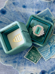 Emerald-Cut-Engagement-Ring-Emerald-Green-Ring Box
