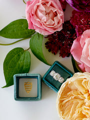 Emerald-Green-Velvet-Ring-Box