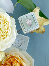 Mint-Ring-Box-With-Vintage-Ring