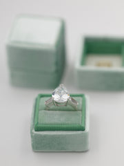 traditional green velvet wedding ring box