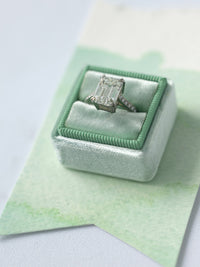 princess cut traditional green velvet wedding ring box