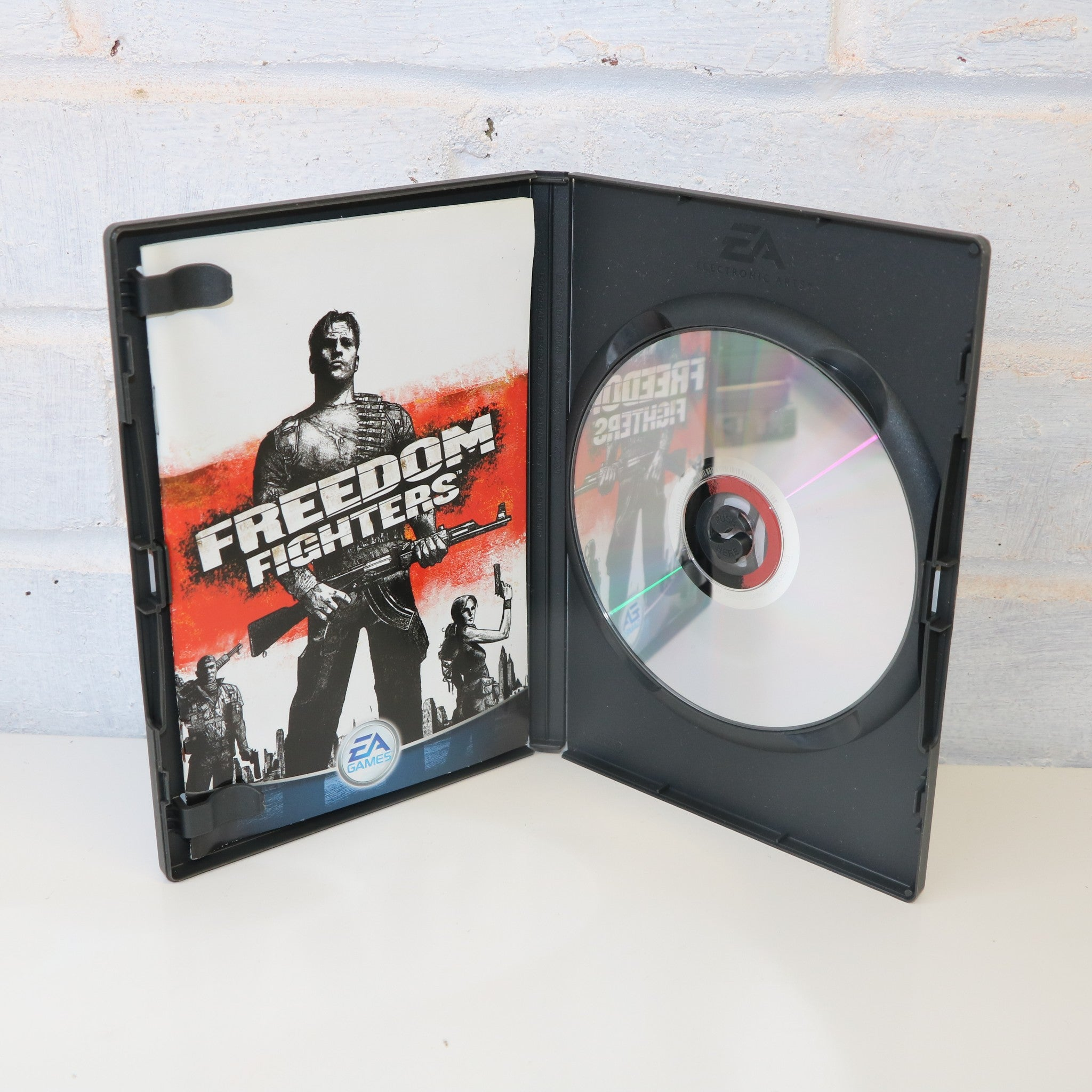 Freedom Fighters - PC CD ROM MAC WINDOWS Game