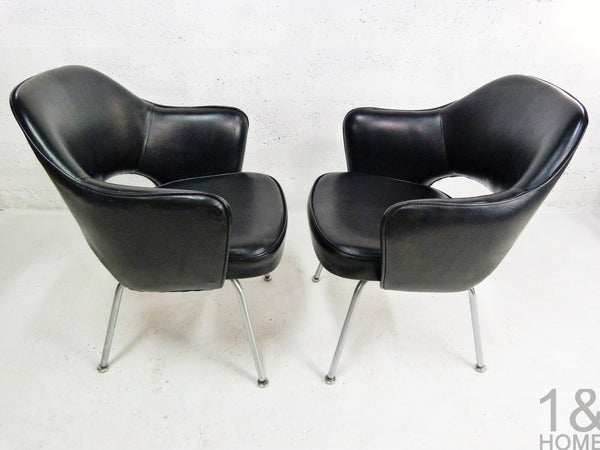 Pair of Eero Saarinen Mid-Century Modern for Knoll Black Executive Armchair 4