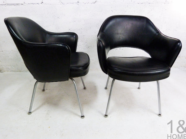 Pair of Eero Saarinen Mid-Century Modern for Knoll Black Executive Armchair 3
