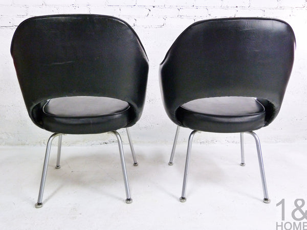 Pair of Eero Saarinen Mid-Century Modern for Knoll Black Executive Armchair 2