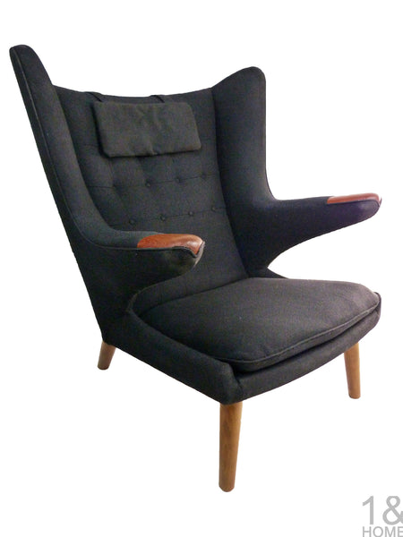AP-19 Original Papa Bear Chair by Hans Wegner for AP Stolen - Black 1