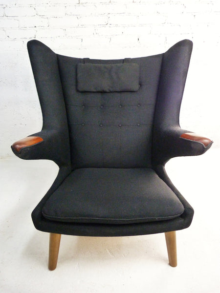 AP-19 Original Papa Bear Chair by Hans Wegner for AP Stolen - Black 2