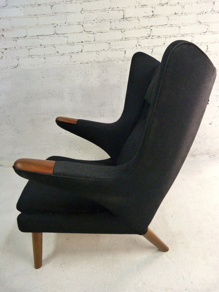 AP-19 Original Papa Bear Chair by Hans Wegner for AP Stolen - Black 4