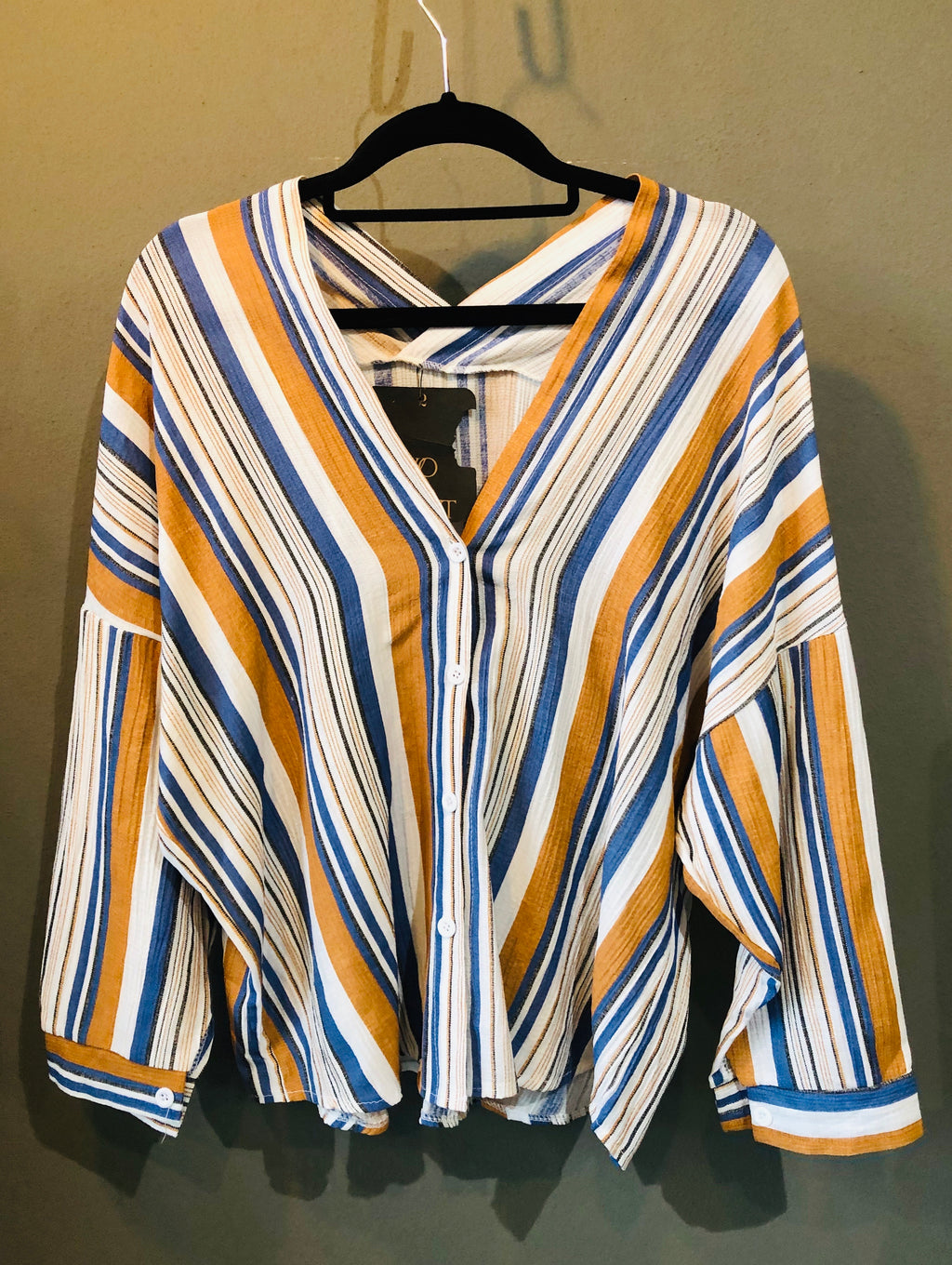 V-neck stripe shirt