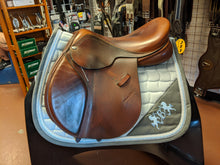 Load image into Gallery viewer, Adam Ellis 18 Inch Saddle MW Tree