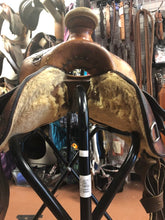 "Load image into Gallery viewer, 15"" Conway All Around Ranch Saddle"