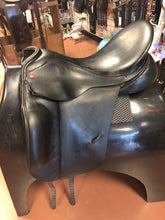 "Load image into Gallery viewer, Albion SL Dressage Saddle 18.5"" Seat"