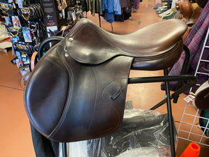 Amerigo Close Contact Jump Saddle 17.5