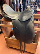 Load image into Gallery viewer, County Spring Tree Dressage Saddle