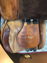 Load image into Gallery viewer, Stubben Siegfried Close Contact Saddle 19 Inch Seat