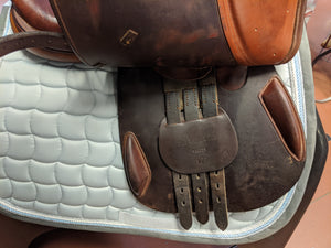 "17"" Dover Circuit Deluxe Saddle"