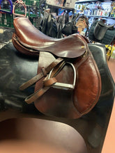 "Load image into Gallery viewer, Jaguar XJS Close Contact Jumping Saddle, 16.5"" seat, Med/Wide tree"