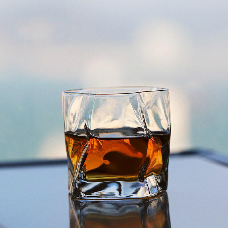 OMNIDEN Crumpled Whisky Glass