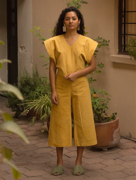 María pant with natural dyes