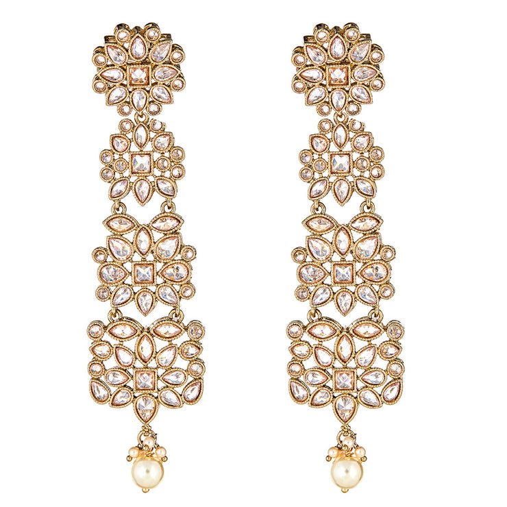 Amora Drop Earrings in Pearl