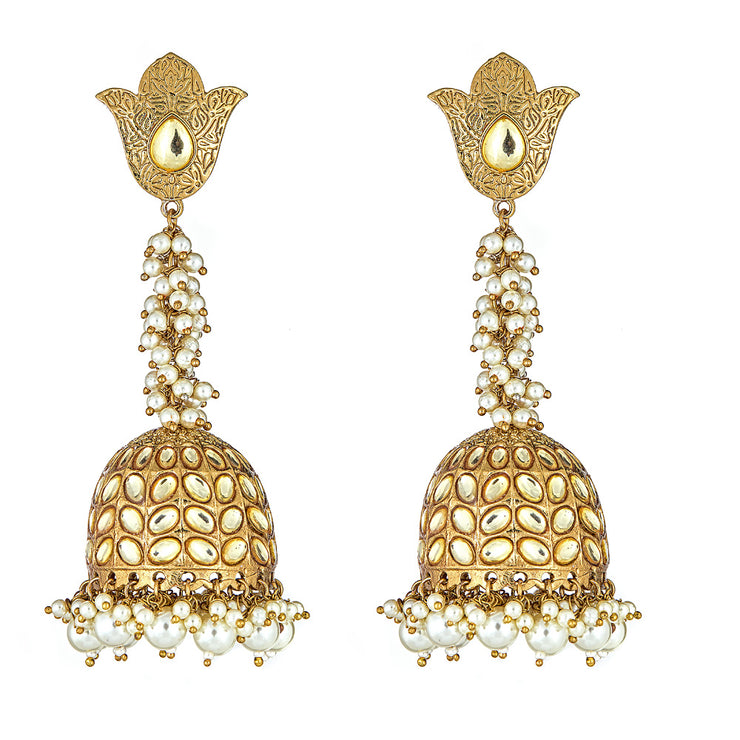 Novalie Drop Earrings in Pearl